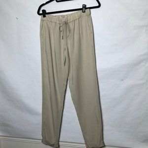 Joie looser fit jogger style pants